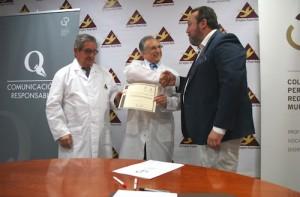 Tomás Fuertes, presidente de Grupo Fuertes; José Fuertes, consejero delegado de Grupo Fuertes; y Juan Antonio de Heras, decano del Colegio Oficial de Periodistas de la Región de Murcia.