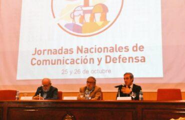Conferencia sobre la información de defensa en los últimas décadas