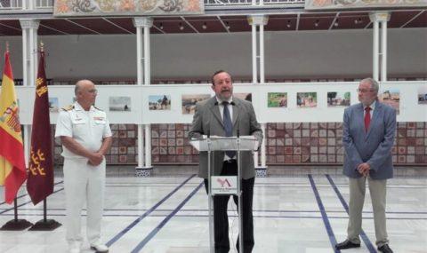 Una exposición reúne los primeros 30 años de servicio internacional de las Fuerzas Armadas con base en la Región de Murcia